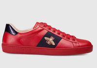 lüks koşu ayakkabıları toptan satış-2019 men women sport shoes fashion luxury brands Designer Sneakers running shoes with laces green red stripe bee embroidered black leather