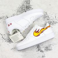 kadınlar için konforlu yeni ayakkabılar toptan satış-Yeni Zorla 1 Kaykay Ayakkabı Yangın Çince Karakterler Ile Oynamak Baskı Erkek Kadın Rahat Açık Sneakers