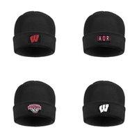 chapéus redondos pretos venda por atacado-Homens Mulheres Wisconsin Badgers logotipo da equipe principal de lã quente Cap malha Beanie Hat Futebol branco Preto Camuflagem Branco Logo Rodada