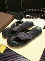 yeni alfabe toptan satış-2019 yeni plaj rahat terlik Avrupa ve Amerikan moda marka LOGOSU İngilizce alfabe desen erkek sandalet kaymaz eğilim çevirme