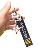 metallkettenstickerei großhandel-FLIGHT CREW Keychain Duplexstickerei küssen mich vor Flug Schlüsselanhänger Flugzeugmodell Metallgeschenk für Mannliebhaber