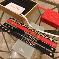 ingrosso scatta i braccialetti-2019 Dior JADIOR nuovo arrivo di lusso designer gioielli donna uomo bracciali in pelle braccialetti a scatto pulseras lettera braccialetto di fascino con la scatola