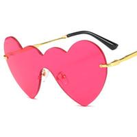 lunettes de soleil en forme de coeur jaunes achat en gros de-2019 nouvelle amour luxe coeur forme lunettes de soleil femmes sans monture cadre teinte rouge lentille lunettes de soleil colorées lunettes de soleil roses jaunes