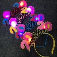 Wholesale twinkling red christmas lights resale online - Cloth Hairpin Red Blue Twinkles Luminescence Hair Hoop Christmas Welcome New Year Festival Flash Light Headwear zy L1