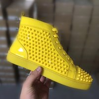 espejo de cuero rojo al por mayor-2019 Luxury Sneaker Yellow mirror leather Studded Spikes Men Trainers Red Bottom Shoes Top quality Flats Party Lovers Casual Sneakers