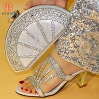 472d6e17 2019 Nuevo color plateado Royal Wedding Clutch Bag Match Nigerian Women  Shoes and Bag Juego a juego Conjunto de zapatos africanos y juego de boda