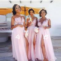 dama de honor del cordón del alto cuello al por mayor-Baby Pink Sheer Jewel Neck Vestidos de dama de honor baratos 2019 Vintage Lace Top A-Line con corte alto en muslo Largos vestidos de dama de honor BM0146