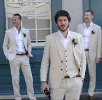 keten smokin erkek toptan satış-Son Pantolon Ceket Fildişi Bej Smokin Plaj Keten Erkekler Düğün Suit Suits İyi Adam Yaz Blazer Evlilik Damat Smokin 3 Parça (Ceket + Pantolon + Yelek)
