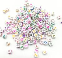 ingrosso perline di plastica opache-Braccialetti della collana del braccialetto di vendita calda casuale 500pcs 6MM colori misti acrilico plastica opaco cubi quadrati lettera singola alfabeto perline