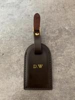 bronzlaşmış deri toptan satış-Yüksek Kaliteli Kişiselleştirilmiş Özel İlk Bagaj Etiketleri sıcak damga Seyahat Aksesuarları Bavul Etiketi Iş Çantası Etiketleri Tabaklanmış Deri Seyahat Etiketi