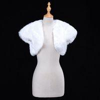 akşam kısa ceketleri toptan satış-Beyaz Düğün Bolero Faux Fur Gelin Düğün Wrap Ceket Kış Akşam Parti Kısa Kollu Shrug Bolero Ceket kadın Aksesuar CPA1274