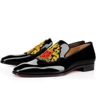 casamento casamento designer venda por atacado-Novos Homens Sapatos De Casamento Designer De Luxo Mocassins Fundo Vermelho Business Dress Shoes, Preto de couro de Patente loubiflat para sempre 35-46