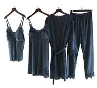 longo manga laço sleepwear venda por atacado-Mulheres Conjuntos de Pijama Camisola Robe Terno Pijamas Mujer Sexy Lace Velvet Pijamas Femme Manga Longa Sleepwear 4 pcs