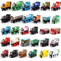 trenes magnéticos de juguete al por mayor-53 UNIDS Juego de Tren de Madera de Anime Ferrocarril Mini Tren Tren de Madera Coche de Juguete de Regalo Locomotoras de Juguete de Madera Magnética para Niños niños