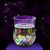 fiesta llevó tazas al por mayor-Taza de detección de líquido de copa de vino LED LED inductivo Color del arco iris Luz intermitente Tazas de resplandor para barra de fiesta Taza tallada en casa GGA2485