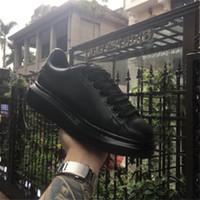 weiße rote untere männer großhandel-Alexander McQueens Mit box chaussures mode luxus designer rote böden weiß schwarz schuhkleid de luxe turnschuhe erhöhung männer frauen casual schuhe