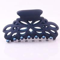 ingrosso grandi morsetti-Il più nuovo granchio per i capelli Scrub Solid Black Plastic Artiglio Clip di capelli scava fuori forma di fiore di grandi dimensioni morsetti dispositivo di lavaggio