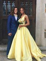 uzun sarı gelin kıyafet toptan satış-Robe de Soiree Sarı Seksi Derin V Boyun Uzun Tren Basit Saten A-line Gelinlik Parti Backless Kadınlar Örgün Gelinlikler Cepler ile