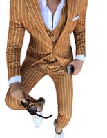 esmoquin rayado al por mayor-Trajes para hombre Rayas Slim Fit 3 piezas Chaqueta de novio de negocios Vestidos Blazer Azul marino para la noche de graduación de bodas (Blazer + Chaleco + Pantalones)