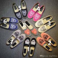 ayakkabı tembel stilleri toptan satış-Lüks Tasarımcı tuval rahat ayakkabılar k-Kaplan kafa tarzı rahat düz ayakkabı yaz tembel nefes tuval kadın Balıkçı ayakkabı Büyük boy 42