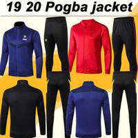 traje marcial al por mayor-19 20 Pogba Rashford cremallera chaqueta del juego camisetas de fútbol MATA MARTIAL para hombre chaqueta programada camisas Negro Azul Fútbol LINGARD MATIC CARRICK Pant