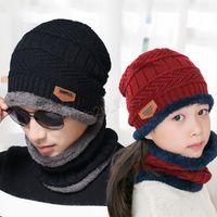 écharpes en molleton unisexe achat en gros de-Bonnet d'hiver écharpe 2 en 1 ensemble famille parent-enfant en molleton chaud Soft Skull Cap masque oreillettes chapeaux chapeaux unisexe tricoté chapeau de plein air LJJA2797