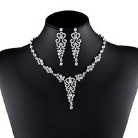 Wholesale elegant woman costumes jewelry online - Vintage crystal necklace Gold jewelry set for women Clear Crystal Elegant Party Gift Fashion Costume Jewelry Sets