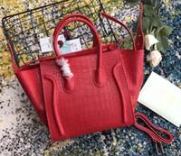 tasarımcılar timsahlı deri çanta toptan satış-Klasik Lüks Bayanlar Trapez Tote Çanta Timsah Tahıl Süet Gerçek Inek Derisi Deri Tasarımcı Omuz Yarasa Çanta Çanta Çanta Boston Çanta