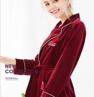 servicio de terciopelo al por mayor-modelos de explosión Yao Ting terciopelo de Corea sola camisón femenino del otoño y el invierno cálido servicio a domicilio de amor siempre albornoces