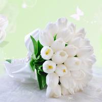 ingrosso tavoli da cerimonia dei centri di fiori rossi del fiore-Artificiale di nozze Mazzi Con Bianco Tulipani Strass Pizzo Nastri mano arco nuziale Mazzi per Wedding # DB-B019