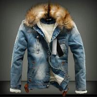 chaquetas de mezclilla con capucha de los hombres al por mayor-2019 Hombres chaqueta de mezclilla chaqueta de mezclilla Lavar-fregar Vaquero Vintage agujero cuello de piel con capucha moda invierno gruesa abrigos calientes Outwear Venta caliente