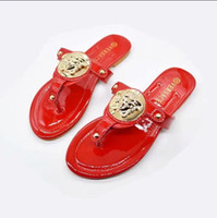 sandália vermelha plana casual venda por atacado-Designer de couro vermelho voBrand tamanho grande Sandálias Ao Ar Livre chinelos moda sandálias de praia sandálias Chinelos de Salto Plana Mulheres Casuais Sapatos