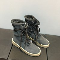 ayakkabı ücretsiz ems toptan satış-Sıcak Satış Tasarımcı Kadın Cheasle Çizmeler Kanye West Askeri Krep Çizmeler Süet Deri Owen Sezon 2 Ayakkabı Sürme Çizmeler erkekler Ücretsiz EMS veya DHL