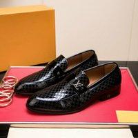 eva cabeça venda por atacado-High-end sapatos masculinos outono e inverno high-top sapatos de couro ocasional rendas tigre cabeça bordado Inglaterra board shoes