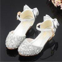 topuk ayakkabıları kız çocukları toptan satış-Çocuklar Glitter Papyon Düşük Topuk Çocuklar İçin 2019 Yeni Prenses Girls Ayakkabı Sandalet Kızlar Parti Enfant Meisjes Schoenen Ayakkabı