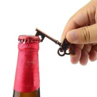 Wholesale keychain key ring favors resale online - vintage Metal Key Beer Bottle Opener Wine Ring Keychain Wedding Party Favors Vintage Kitchen Accessories Antique Gifts for Guests Style
