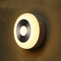 lâmpadas de parede alimentadas por bateria venda por atacado-Infravermelho PIR Motion Sensor energia da bateria 6 Led Night Light Luz Detector sem fios Wall Lâmpada Luz Auto On / Off Closet AA