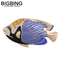 goldene fischschmuck großhandel-BIGBING modeschmuck golden blue tropische fische kristall brosche mode frauen Brosche gute qualität nickelfrei Q222