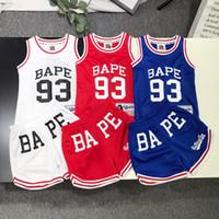 erkekler için rahat yelek toptan satış-Erkek Tasarımcı Giyim Setleri 2019 Yaz Yeni Moda Mektup Basketbol Üniforma Lüks Baskılı Yelek + Şort Rahat Sportwear Iki parçalı Takım