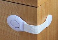 portes de toilettes achat en gros de-Nouveau Bébé Soins Multi-fonction Sécurité Enfant Verrou Réfrigérateur Toilette Enfants Verrou Tiroir Porte Adhésive Placard Serrure A19888