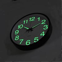 relógios de parede de 12 polegadas venda por atacado-12 Polegada 30 CM Relógio de Parede Luminoso Brilho No Relógio De Quartzo Escuro para Quartos de Crianças Quarto Sala de estar Pendurado Relógio de Decoração Para Casa