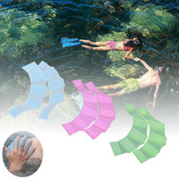 ingrosso pinne per nuotare-A mano in silicone Nuoto Pinne Flippers Swim Palm Finger palmato Guanti Paddle nuoto Guanti