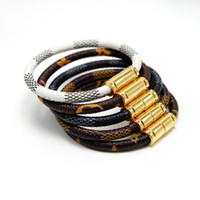 bracelet großhandel-Marke Lederarmbänder Schmuck für Frauen Männer 316L Edelstahl Designer Armbänder Armreifen Pulseiras Zubehör Geschenke Weihnachten Muttertag