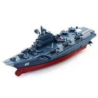 barcos de carrera de control remoto al por mayor-Barco RC Control remoto de 2.4 GHz Barco Buque de guerra Acorazado Crucero Barco de alta velocidad RC Racing Toy