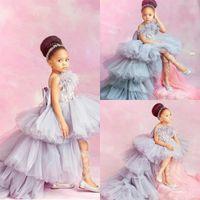 robes de fillette à plumes achat en gros de-2020 Nouvelle Dentelle Appliqued Haute Basse Fleur Robes De Fille Pour Le Mariage Jupes À Niveaux Petites Filles Pageant Robe Plume Première Sainte Communion Robes
