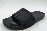 yürüyüş sandaletleri toptan satış-2019 Erkek Rahat Hava Plaj Slayt Sandalet Medusa Scuffs Terlik Moda Klasik Avrupa Marka Slip-on Sandalet Yürüyüş Yürüyüş ayakkabı 38-46