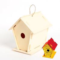 decoraciones para pájaros al por mayor-6 piezas / lote. Pintar a mano Casa de pájaros de madera sin terminar, Jaula de pájaros, Decoración de jardín, Artículos de primavera, Juguetes para niños .11 .5x16 .5x16cm