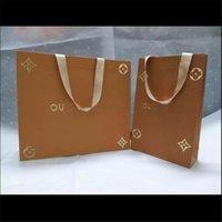 paquete de ropa al por mayor-L Diseño de la ropa hanbags alto grado 2 estilos de personalidad Paquetes Bufanda regalos de cumpleaños Cinturones decoración de la manera Monederos