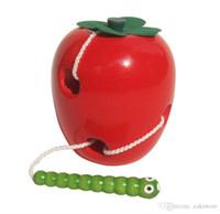 ingrosso giocattolo mela bambino-Montessori Learning Education Bambini Kids Colorful Baby Worm di legno Mangiare frutta Apple Toys Rosso + verde 0-7 anni