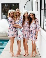 robes de soie florales achat en gros de-2020 V-cou court peignoir kimono de demoiselle d'honneur sexy en satin de soie mariage de nuit enroulant dentelle imprimé scintillant long Pyjama Summer Night Lady Ro